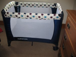 travel cot 2